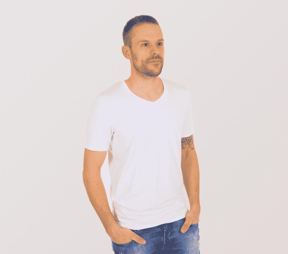 Image of   Bambus T-shirt i hvid med v-hals